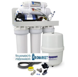 Reverse osmosis filter with pump